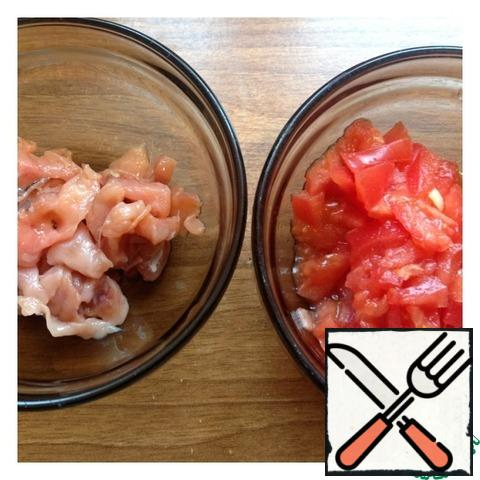 Cut the salted salmon fillet into small cubes. Tomatoes, too, cut into small cube than add.