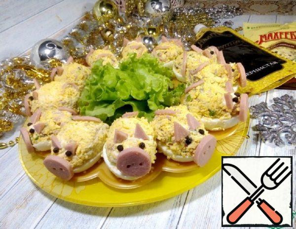 "Stuffed Eggs ""Pigs"" Recipe"