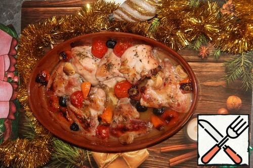 There's our chicken! Very tasty, and due to the additives of different colors (red cherry, black olive orange pepper, light garlic) bright and elegant!