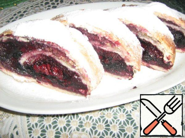 Strudel with Cherry and Blueberries Recipe