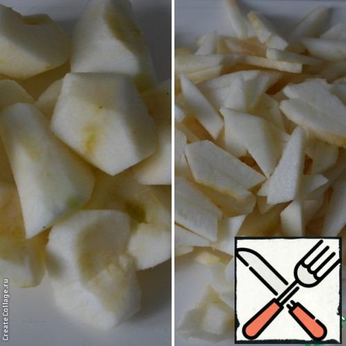 Wash apples, peel and cut into strips.