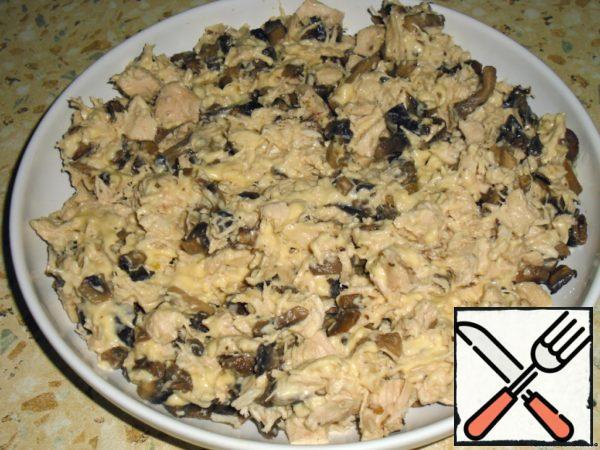 Combine mushrooms, chicken and cream cheese.