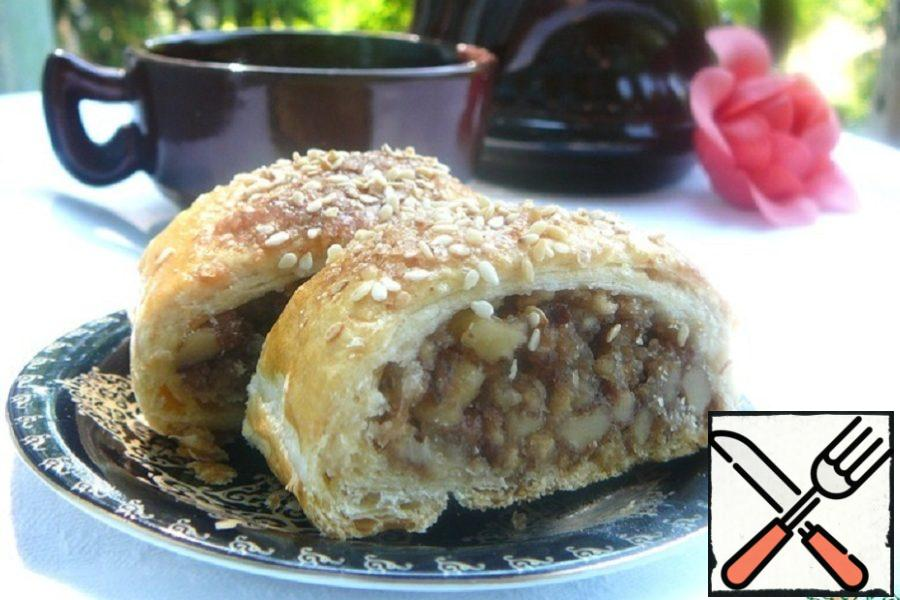 Nut Strudel with Flour Crumbs Recipe