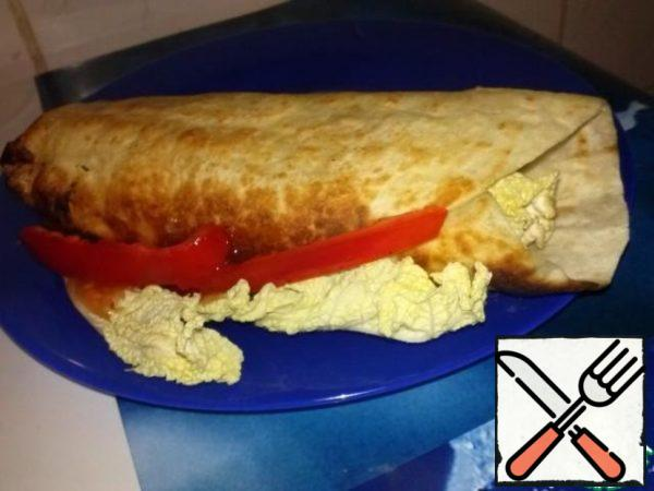Wrap the tortilla, fry so that the seam does not disperse... And you're done!!! Bon appetit!!!