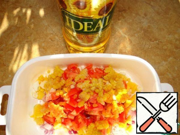 All vegetables (except pepper), egg and mango crushed cubes, add 1 tbsp oil. salt, pepper-stir;