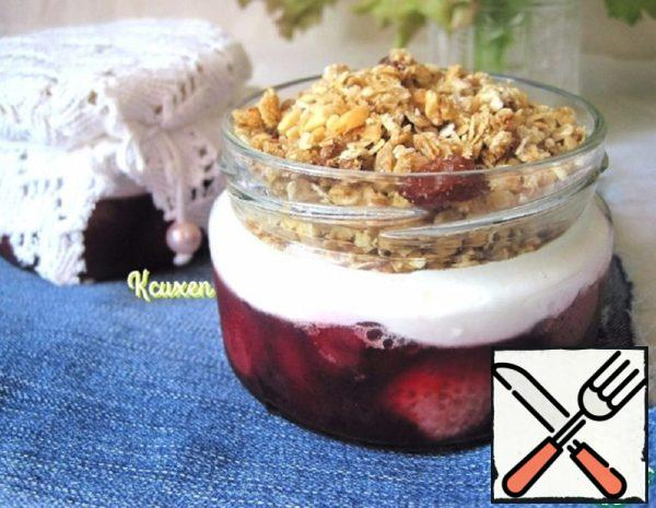 "Parfait with Granola ""Breakfast in the Jar"" Recipe"