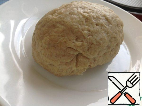 Sift two kinds of flour, add salt and rosemary. Mix oil and boiling water. Gradually adding flour to the water, knead the soft dough. If the dough is sticky, you can add wheat flour! Leave the dough to rest for 15-30 minutes.