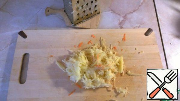 The last time potatoes for soups labor on a grater. So it cooks faster, the soup thickens.I prefer soups without potatoes (if I cook only myself), and grated it is almost not felt, and the broth is still richer.