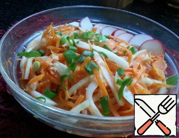 Salad with Kohlrabi and Carrots in Korean Recipe