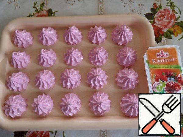 Leave the tray with the future marshmallow for 10-12 hours at room temperature.