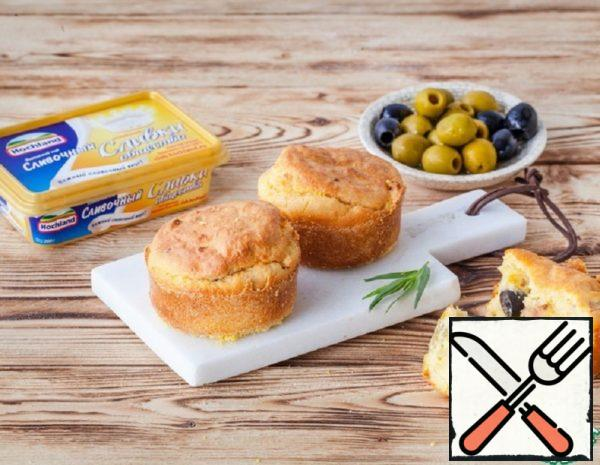 Cheese and Corn Muffins with Bacon, Olives Recipe