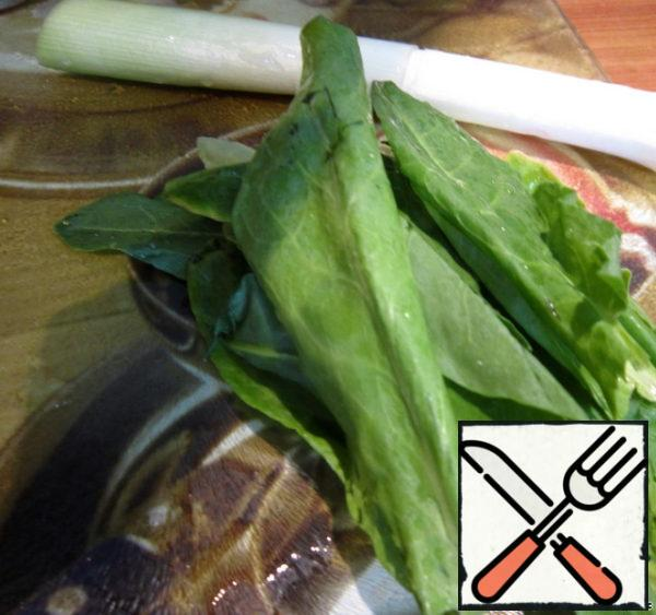 Finely chop the sorrel and leek.