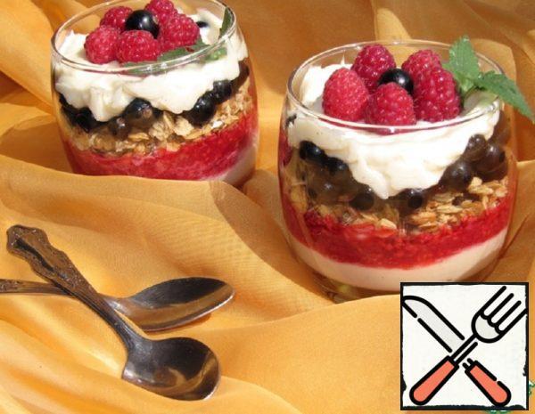 Blackcurrant-Raspberry Parfait Recipe