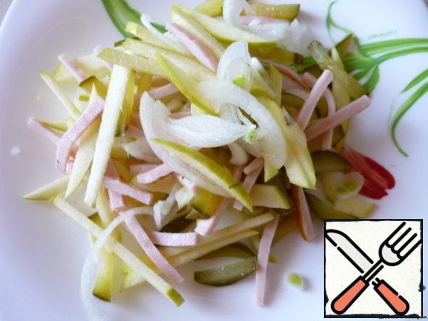 Onions cut into thin half-rings, apples-cubes (like pork).