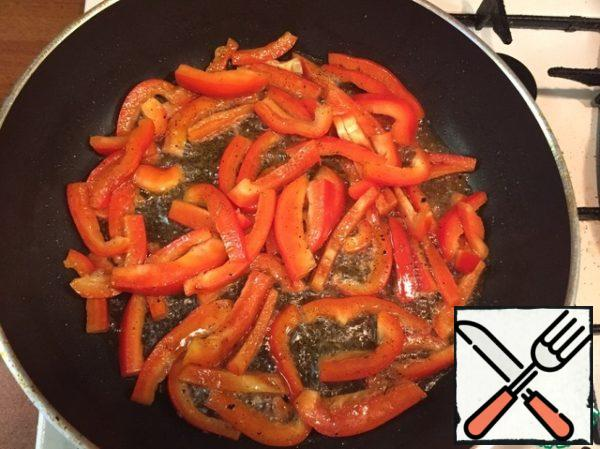 Add pepper, fry stirring for 2 minutes.