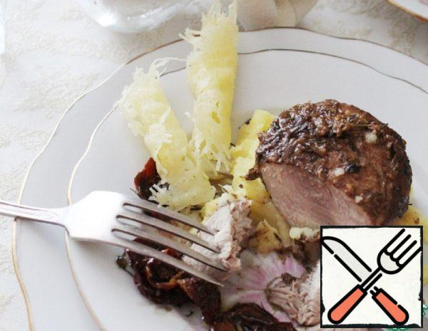 Turkey Medallions on Mashed Potatoes Recipe
