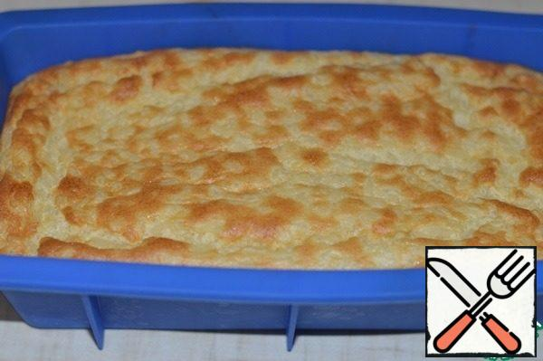 Heat oven to 180 ° C. Bake the pudding for about 30 minutes. In portion forms baking time will be less.