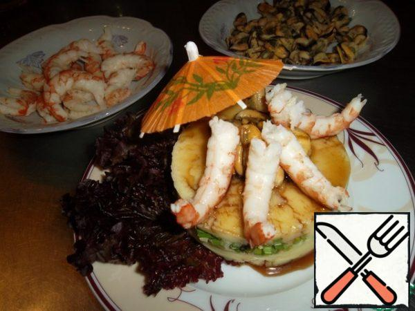 Spread the shrimp, decorate with an umbrella and serve...That's all she wrote.Bon Appetit!!!