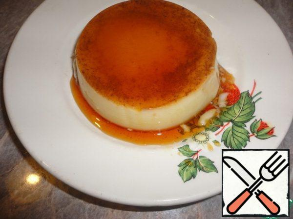 When the pudding is completely cooled turn it over on a plate and you can enjoy this delicate dessert. Bon appetit!