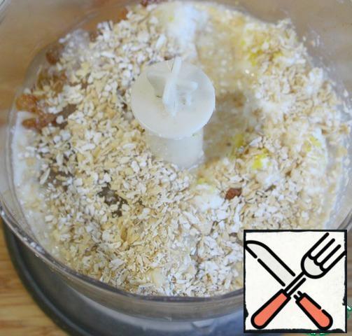 Bran, cream, raisins or cranberries, vanilla extract, cottage cheese, lemon zest, sugar to taste put in a blender and punch.