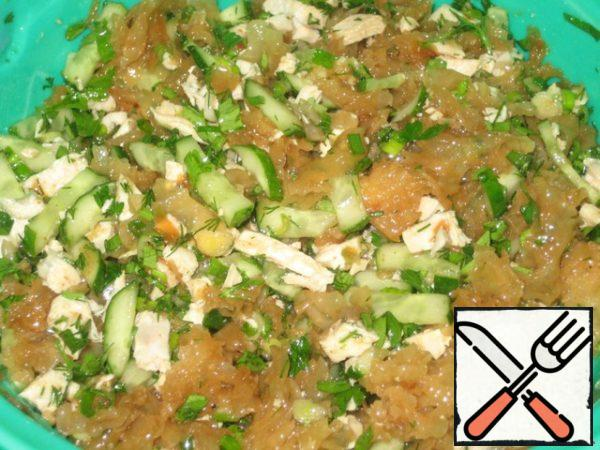 Combine all of our ingredients: mushrooms, onion, chicken, cucumbers, greens and cover with the sauce. Stir and eat!