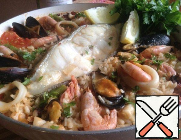 Paella with Lancet Fish and Seafood Recipe
