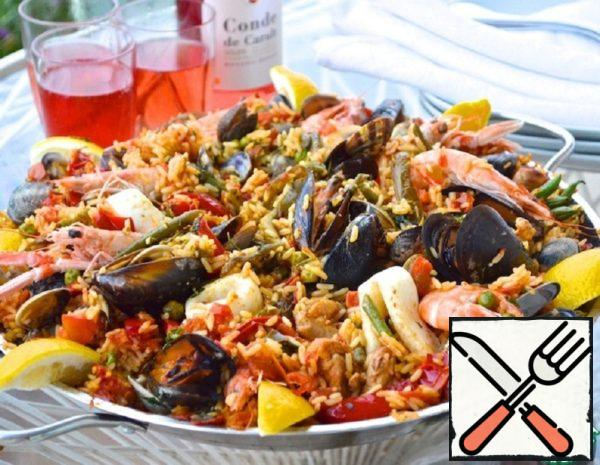 "Paella in the Style of ""Sea and Land"" Recipe"