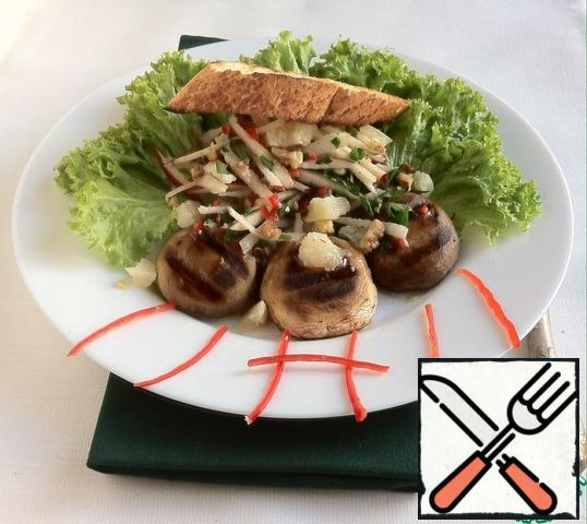 Lay out mushrooms, apples with parsley, cheese. Drizzle with dressing, sprinkle with walnuts. Serve with a slice of dried baguette.