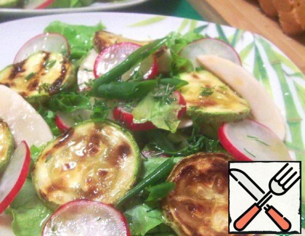 Vegetable Salad with fresh Mushrooms and Zucchini Recipe