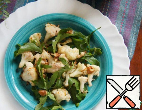 Baked Cauliflower Salad with Arugula and Nuts Recipe