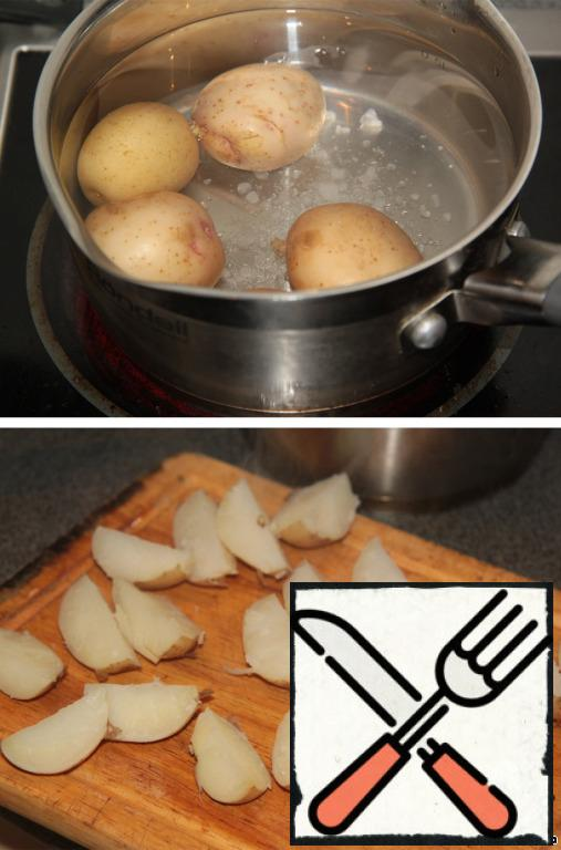 4 small young potatoes boil with salt. Cool and cut into slices.