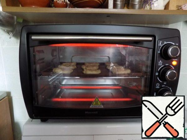 Put in the oven for 10-15 minutes. I have a mini oven and it bakes really fast. It took me 10 minutes. Don't overdo the cookies. Out of the oven it is removed you need to immediately. Cool completely. Cookies in the baking process will be larger diameter~7 cm.