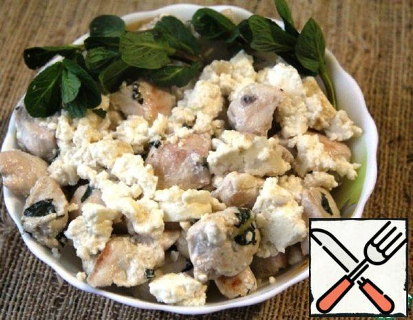 Chicken with Mint and Adyghe Cheese Recipe