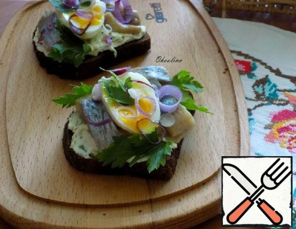 Toast with Herring Recipe