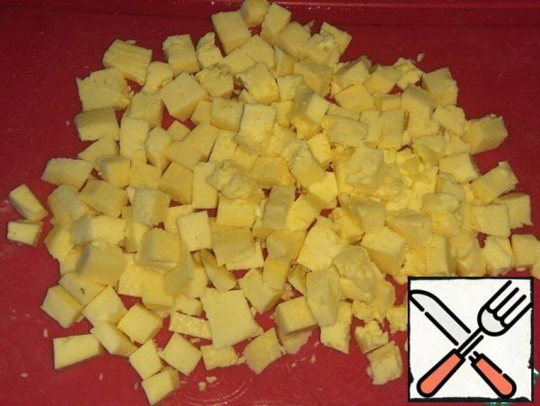 Fry the potatoes in vegetable oil until soft. You don't need to fry too much. At the end, add salt and pepper to taste.