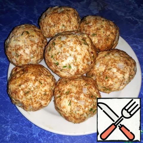 Bake at 190° 20 minutes (until Golden brown). In one chop 90 grams, 108.6 calories, 18.6 protein, 2.1 fat, 3.9 carbs. Cutlets are bright, tender and juicy. They are prepared simply and quickly, but in themselves are very useful. Cutlets will be as an excellent independent dish (for example for dinner), and a wonderful addition to the garnish (for example for lunch). Bon appetit!
