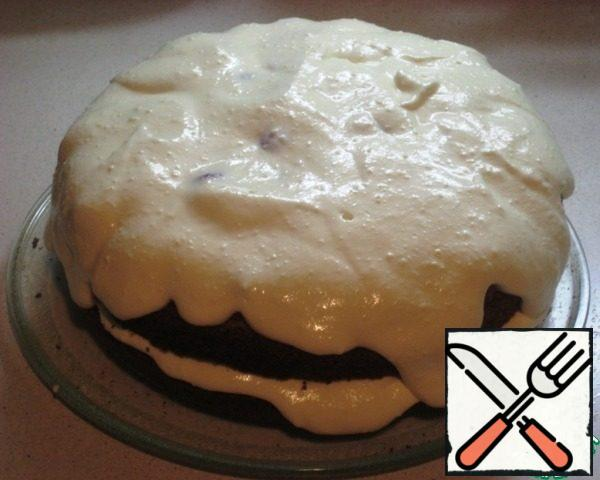 Layer cream cheese (reserve 2-3 tbsp of the cream sides of the cake).