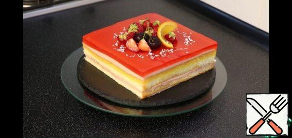 Here is such a beautiful, bright, juicy cake turned out. It's delicious!!! I recommend you try it.
