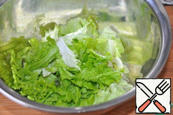 Lettuce my, dry, cut or tear, put in a bowl.