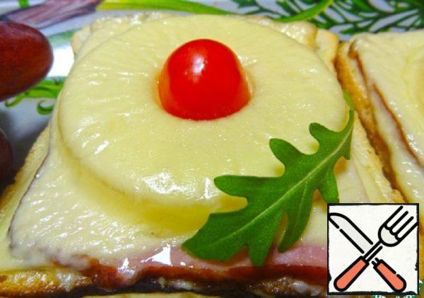 Hot Sandwiches with Ham and Pineapple Recipe