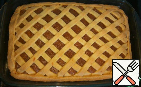 Bake in a preheated 170 degree oven for about 35-40 minutes. Ready cake fully cool down and can be cut into.
