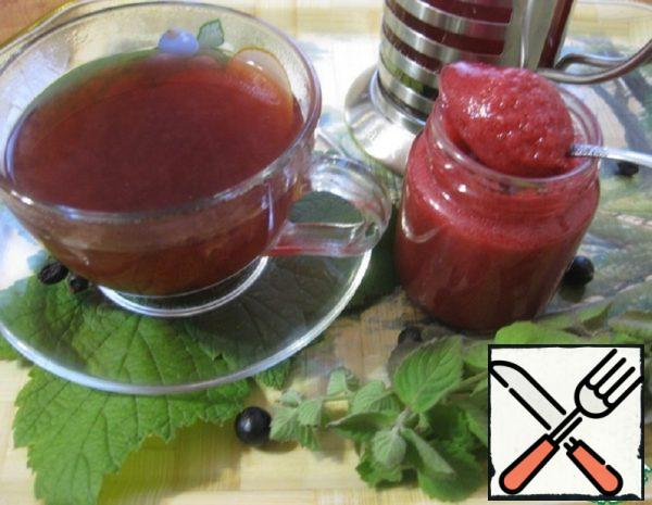 Currant Tea with Mint and Rosemary Recipe