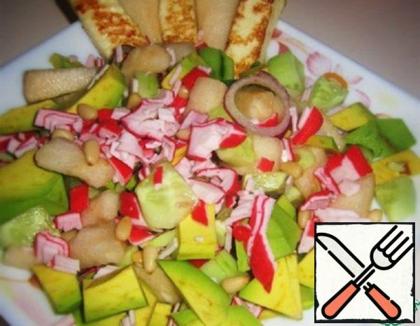 Crab Salad with Avocado, Pear and Cheese Recipe