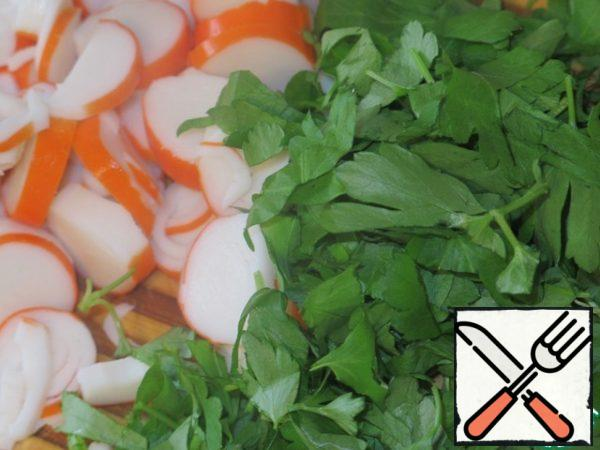 Chop crab sticks and cilantro coarsely.
