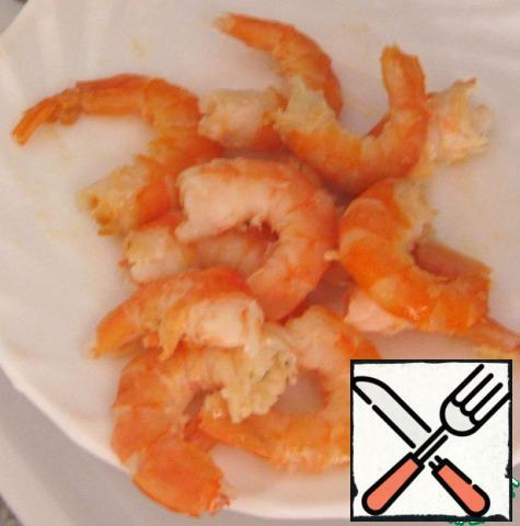 Peel the shrimp.