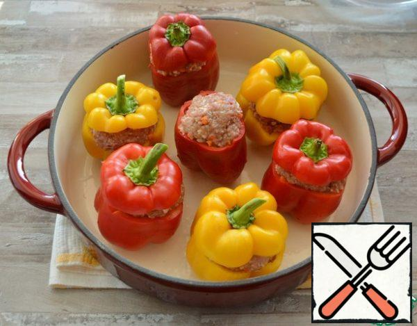 """At sweet pepper cut off """"a cover"""", remove seeds and partitions, fill with forcemeat and cover with the cut off """"covers"""".The amount of pepper is approximate, since it is of different size, it may need from 7 to 10 pieces"""