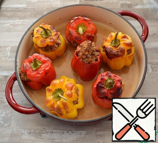 Place the peppers in a baking dish, pour 200-250 ml of water and place in the oven. Cook at t=160-180°C for about 40-45 minutes.Serve as a separate dish or with a side dish of mashed potatoes.