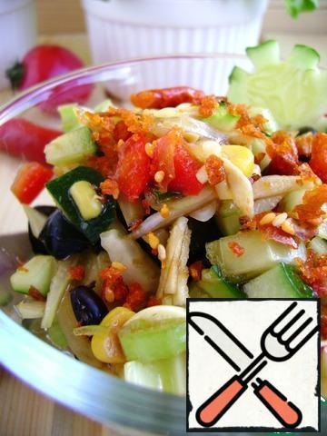 Arrange both types of salad in portioned salad bowls.