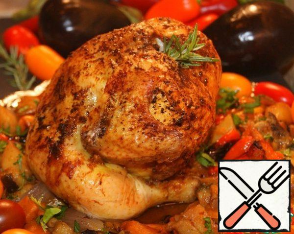 Serve with vegetables and parsley! If desired, pour lemon juice and serve with fresh tomatoes. Save the juice released when baking. And pour it over the pieces of chicken cut into portions.