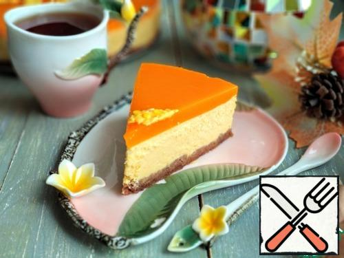 Ready cheesecake served to the table)